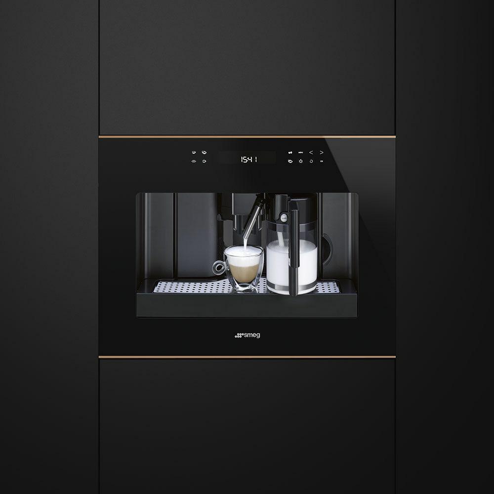 espressomachine Smeg CMS4601NR espressomachine volautomaat